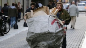 Lucha contra el hambre: iniciará la entrega de tarjetas las alimentarias